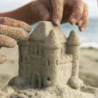 Игры с песком: идеи для малышей